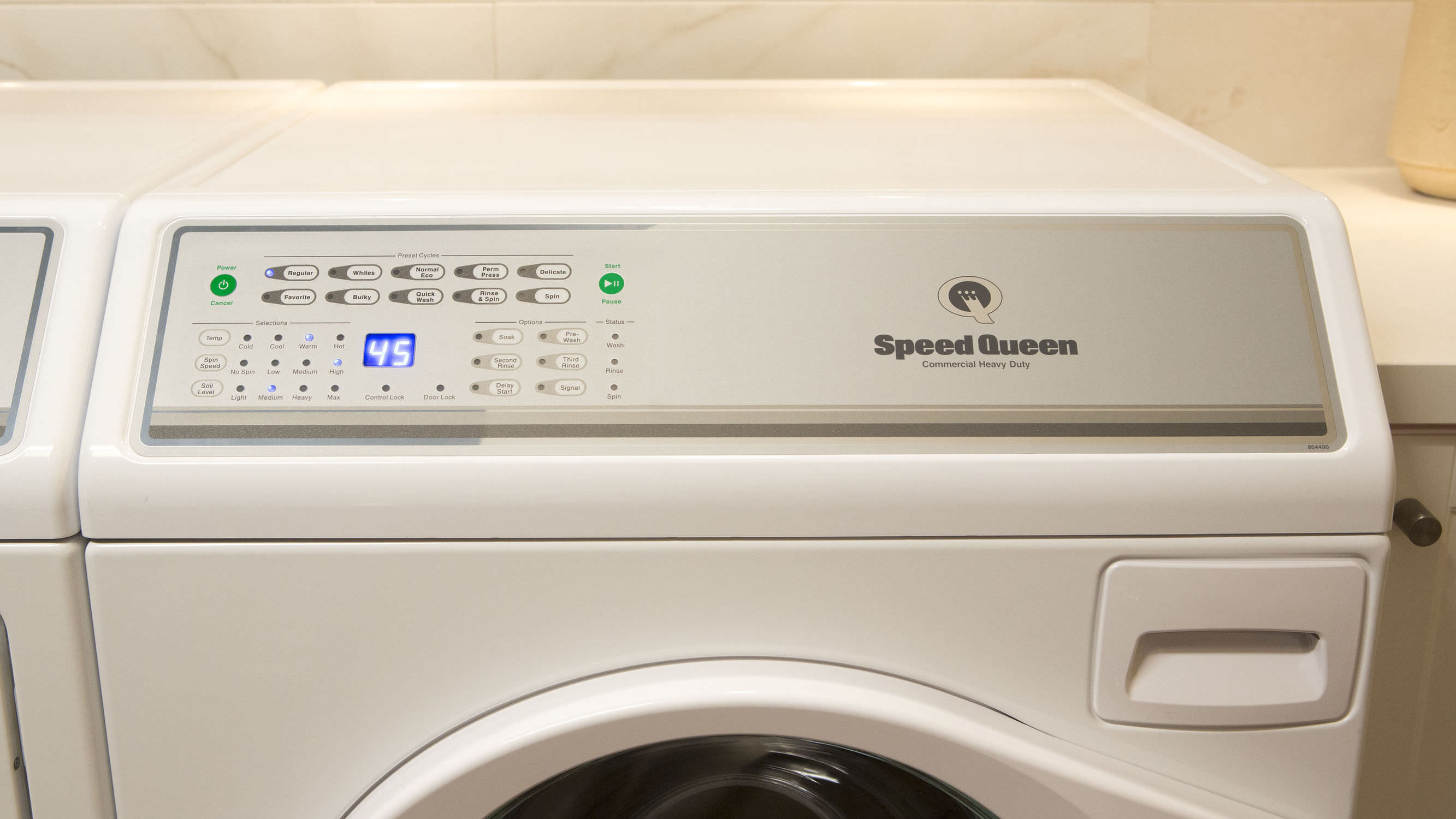 Speed Queen Washer 9-cycle, 11 7gl AFNE9BSP113TW01